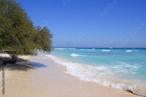 Foto op Plexiglas Indonesië Exotic white Coral sandy beach on Gili Islands, Indonesia