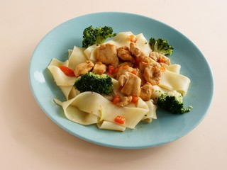 pasta tapes with chicken goulash and vegetables