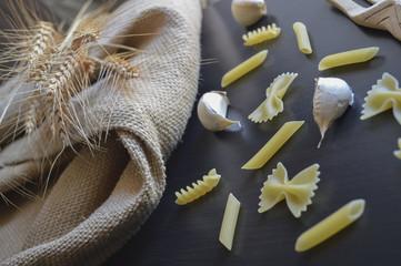 Pasta, grano e aglio