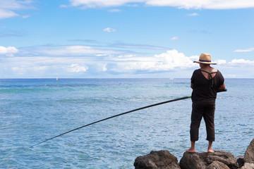 pêcheuse aux pieds nus, île de la Réunion