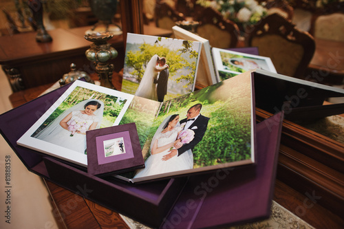 Leinwanddruck Bild textile vintage wedding photo book album
