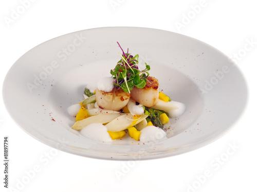Leinwandbild Motiv fried scallops with mango & asparagus