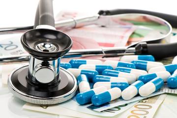 Gesundheitskosten, Stethoskop und Euro Geldscheine