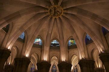 サグラダファミリア 地下礼拝堂 スペイン