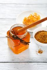 Honey, honeycomb and pollen