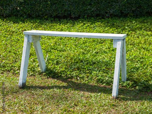 Fotobehang Tuin white wooden bench