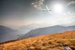 Leinwanddruck Bild - in flight with glider on lake Como (IT)