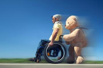 Hilfe im Rollstuhl