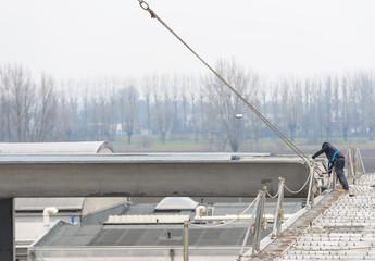 Montaggio di trave di cemento