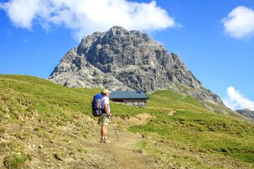 Wanderer vor dem Widderstein, Allgäuer Alpen