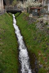 ruscello fiume acqua