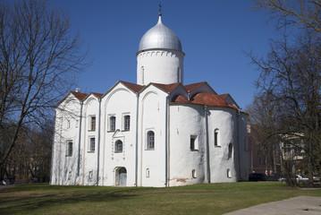 Церковь Иоанна на Опоках апрельским днем. Великий Новгород