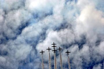 Aviones y nubes