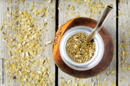 Deurstickers Thee Traditional Argentina yerba mate tea beverage in calabash and