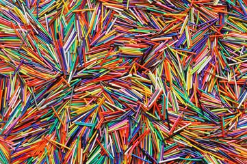Фон из обрезков цветных проводов