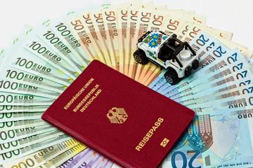 Reisegeld in Form eines Geldfächers aus verschiedenen Euroschei