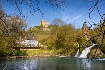 Blick auf Elzbach, Burg Pyrmont und Pyrmonter Mühle