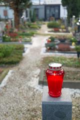 auf einem Friedhof