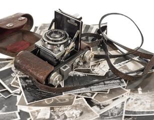 alter antiker fotoapparat mit bildern