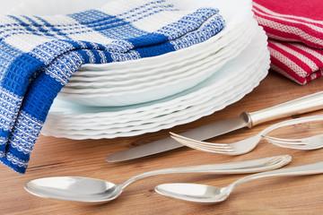 Küche - Geschirr und Besteck