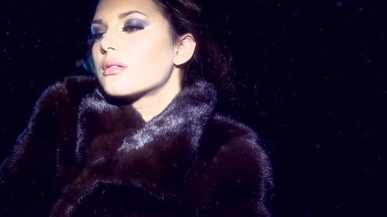 Beauty Fashion Model Girl in Mink Fur Coat