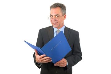 Mann mit Bewerbungsmappe