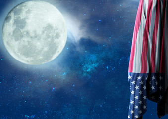 Bandeira dos Estados Unidos à Noite