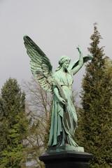 Großer Friedhofsengel
