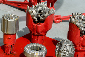 drill bits for oil and gas extraction