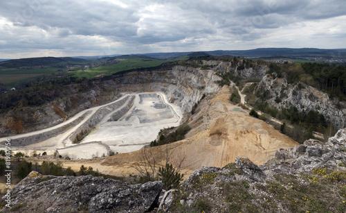 Fotobehang Heuvel Limestone mine, Koneprusy, Czech republic