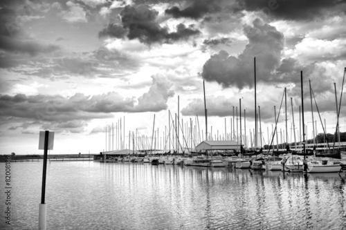 Storm Day In Black & White - 82008186