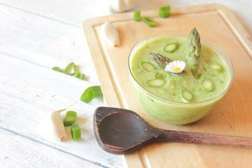 suppe grüner Spargel