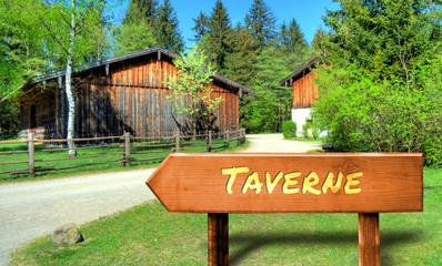 Strassenschild 32 - Taverne