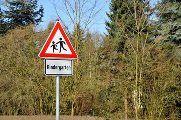 Kindergarten, Verkehrsschild, Straßenverkehr, Kinder, Tempo