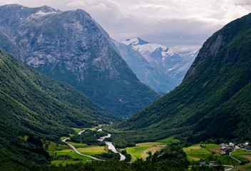 Evening in the valley glaciers