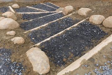 丸太で舗装された階段