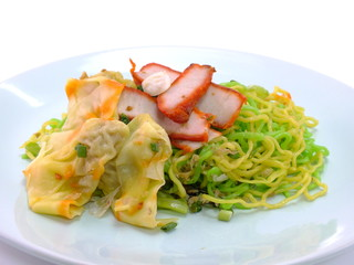 egg chinese dry noodles with roast red pork dumpling
