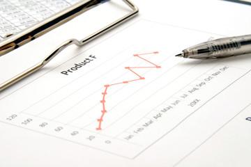 ビジネスイメージ―会議用資料とボールペン