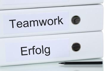 Mit Teamwork und Team zum Erfolg Business Konzept