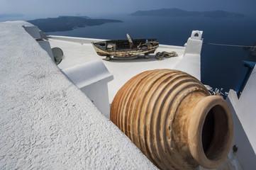 SANTORINI/GREECE 7TH NOVEMBER 2006 - Rooftops of houses overlook