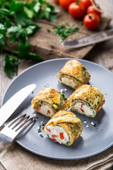 Omelette rolls with curd