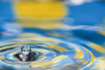 Polka Dotted Water Drop Splash - Blue and Yellow