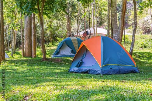 Fotobehang Kamperen Dome tents