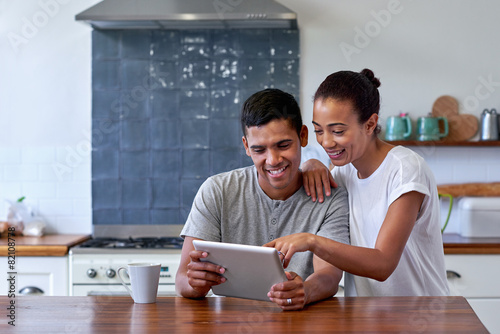 Leinwanddruck Bild coffee lifestyle couple tablet