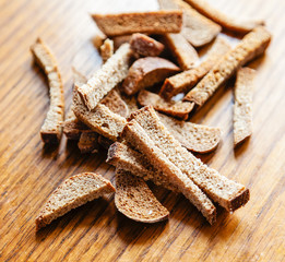 Croutons of brown bread