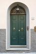 Porta in legno verde, ingresso vecchia casa signorile - 82120108