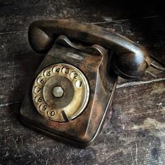 telefono arrugginito