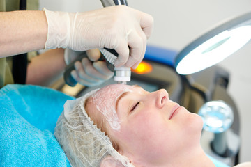 laser cosmetology treatment
