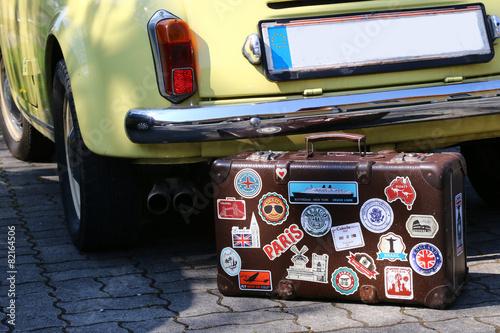 Foto op Canvas Vintage cars reisekoffer