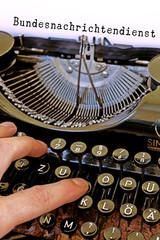 Antike Schreibmaschine BND